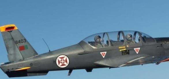 Aeronave é um EPSILON-TB30 de fabrico francês