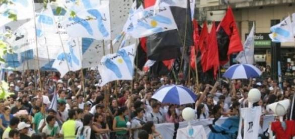 La juventud argentina movilizada en las calles