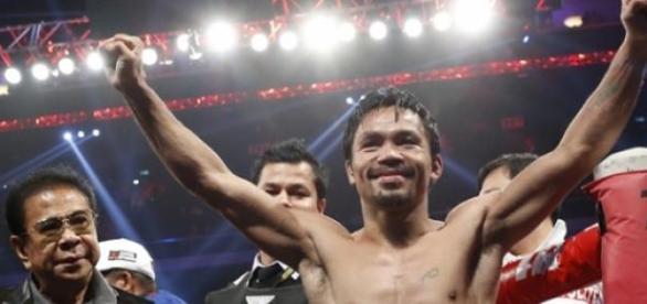 Manny ya empezó a gastar sus ganancias.
