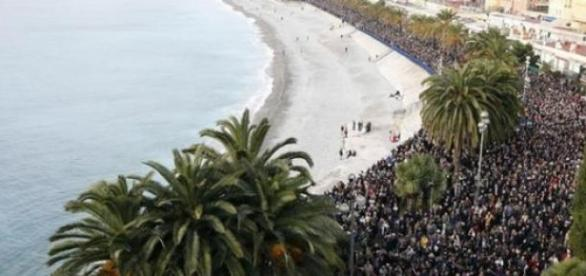 Marsz w Tunisie skierowany przeciwko terroryzmowi