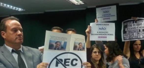 Protesto contra a redução no Plenário