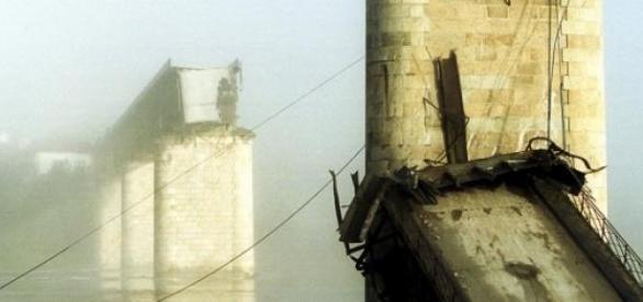 A queda da Ponte de Entre-os-Rios colheu 59 vidas