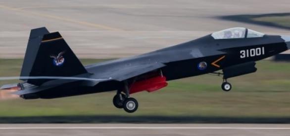 Pequim vai aumentar os gastos na defesa em 2015.