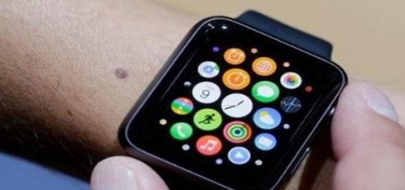 Apple Watch saldrá la venta en Abril.