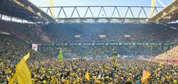 La grandísima afición alemana llenando su estadio