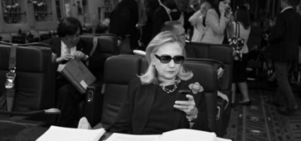 Scandalo Emailgate, Hillary Clinton