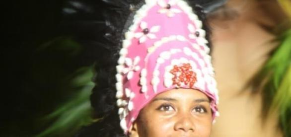 Królowa tańca na wyspie Bora-Bora.