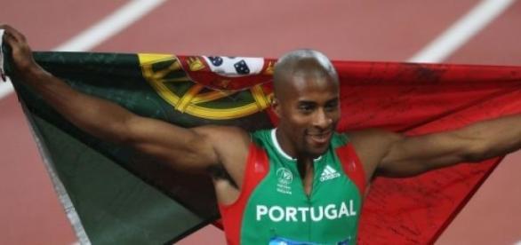 Nelson Évora bateu toda a concorrência em Praga