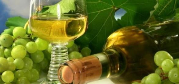 Vinul alb, sub microscopul oamenilor de stiinta