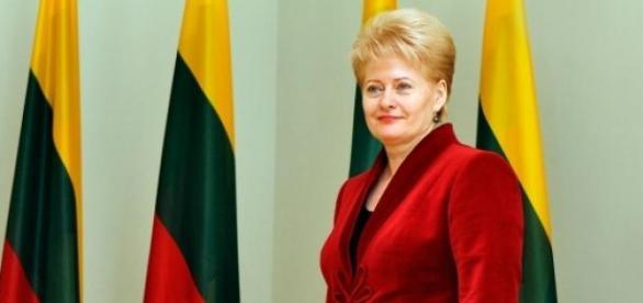 Dalia Grybauskaite se teme de razboi
