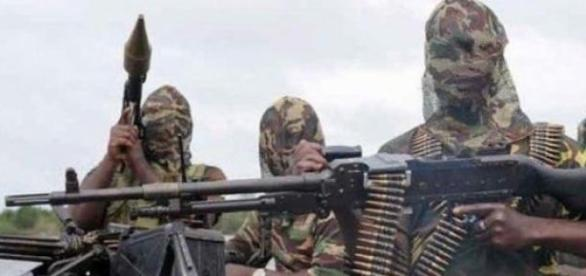 Líder do Boko Haram jura lealdade ao EI