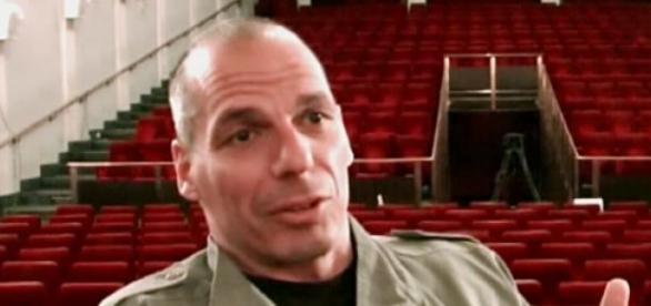 Varoufakis continua a fazer declarações polémicas.