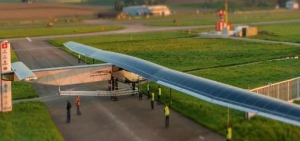 Imagen del aeroplano Solar Impulse 2