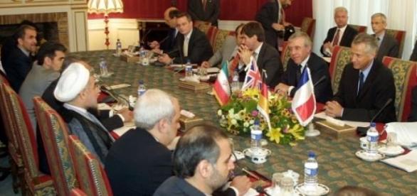 Conversações sobre o Irão continuam vacilantes.