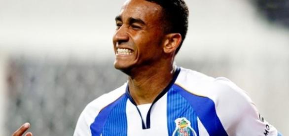 Danilo será 'Merengue' na próxima época