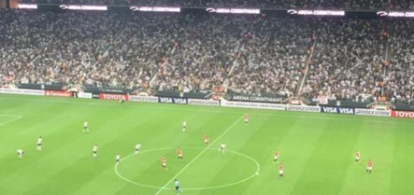 Na Arena Corinthians, mais uma vitória corintiana