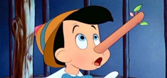 O nariz a crescer do Pinóquio simboliza a mentira.