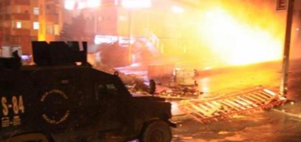 Zamieszki w Stambule i Ankarze