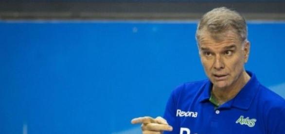 Comandada por Bernardinho, Rexona vence Minas 3x0