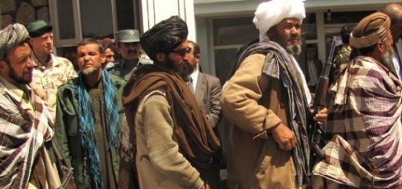 Foto de combatentes Talibans