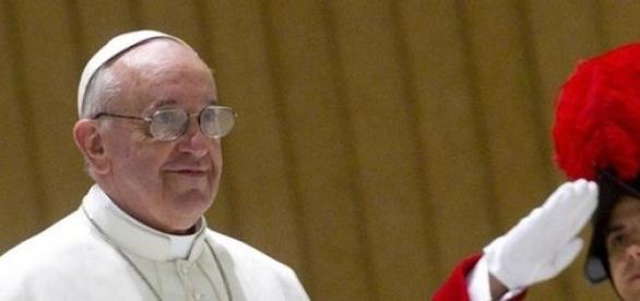 Silenzio del Vaticano sull'ambasciatore di Francia