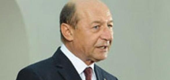 Traian Basescu stie cand sa atace