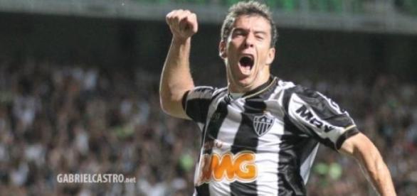 Leandro Donizete eleito o melhor em campo