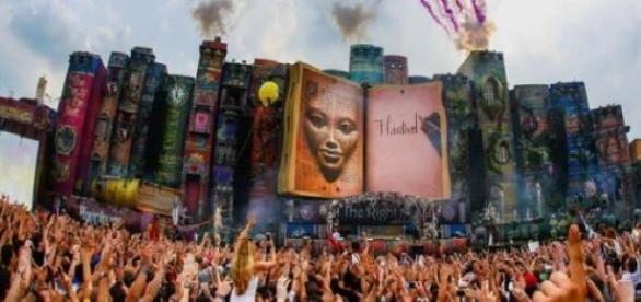 O festival contará com mais de 150 DJs