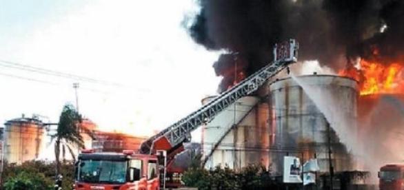 O incêndio em Santos chega ao fim