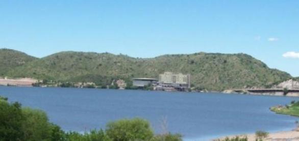 Vista del Lago de Potrero de los Funes