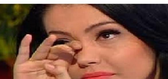 Andreea Mantea cu ochii în lacrimi