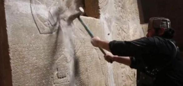 Militantes do Estado Islâmico destruiram Nimrud