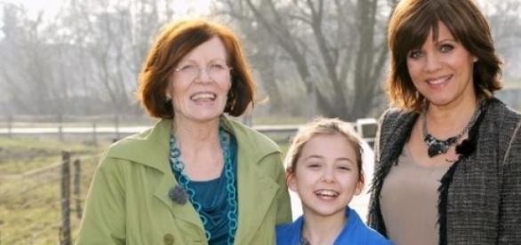 Annegret Raunigk mit Tochter und Birgit Schrowange