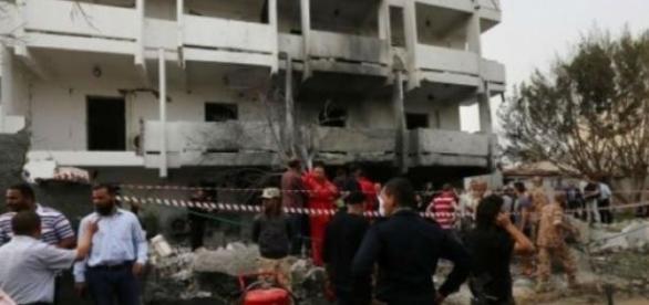 L'ambassade du Maroc à Tripoli après l'explosion.