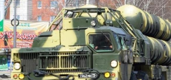 Moscovo irá finalmente entregar os S-300 ao Irão.