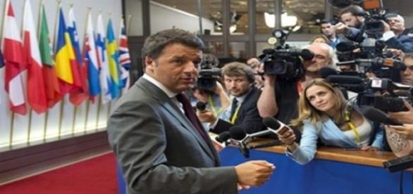 Ultimi Sondaggi Politici Elettorali, crollo Renzi