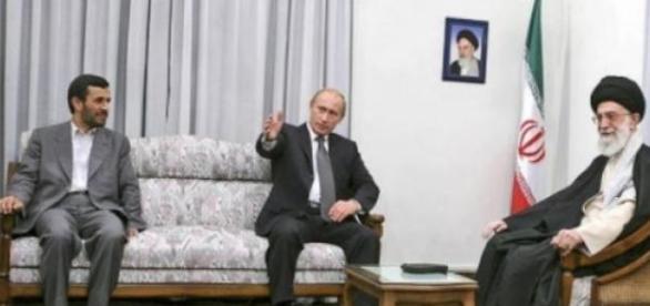 Vladimir Putin in vizita la Teheran