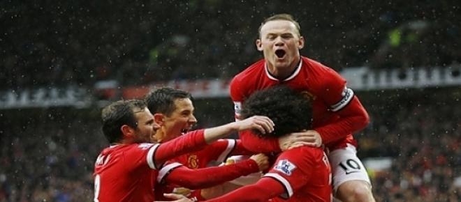 Jogadores do Manchester United a festejar o golo