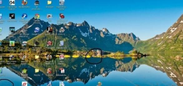 Ekran monitora komputerowego z ikonami
