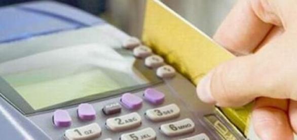 Guvernul limitează plățile și încasările cash