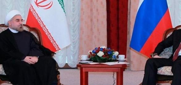Presidentes Ruso e Iraní acuerdan intercambio