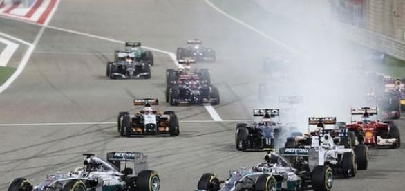 How last year's race at Bahrain got under way