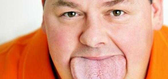 A língua de Byron Schlenker tem 8,6cm