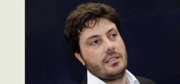 Doença faz Danilo Gentili cancelar gravações