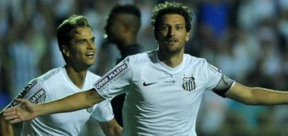 Elano define para o Santos na Copa do Brasil