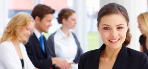 Site oferece mais de 300 vagas de emprego.