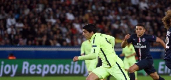 Suarez a ridiculisé David Luiz