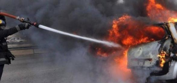 tot mai multe masini romanesti incendiate