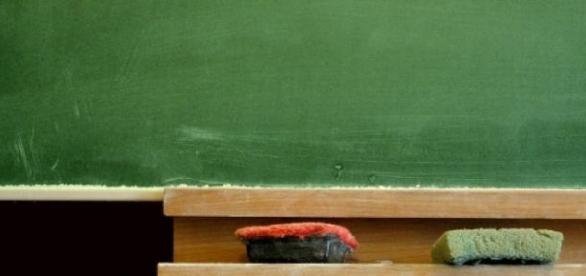 España intenta revertir la situación educativa