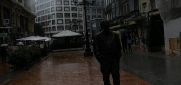 Estatua de Woody Allen en Oviedo (Foto del Autor).